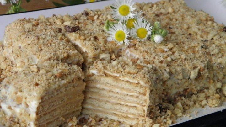 Торт из печенья «Рыбки» без выпечки со сгущенкой