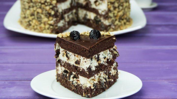 Торт с черносливом и грецким орехом – рецепт